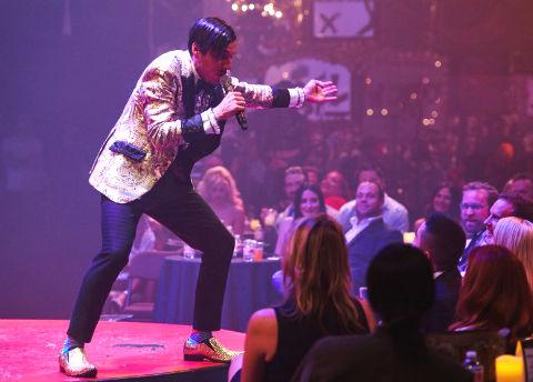master emcee host - how to wrangle an audience like a pro - gazillionaire